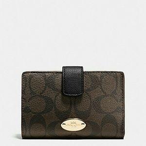 Coach Signature Medium Corner Zip Leather Wallet